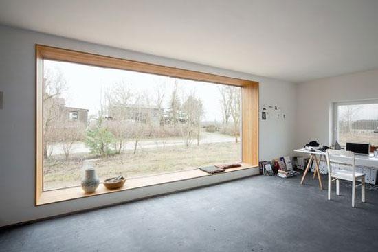 chỗ ngồi cửa sổ 18