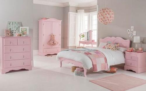 phòng ngủ màu hồng dễ thương cho bé gái 4