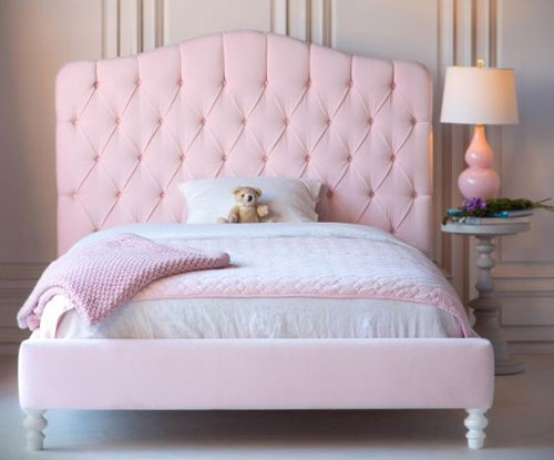 giường ngủ màu hồng 5