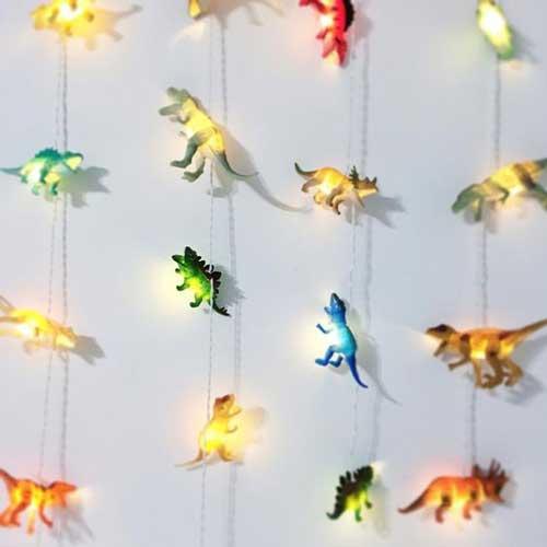 Kết hợp bộ đồ chơi với những chiếc đèn led