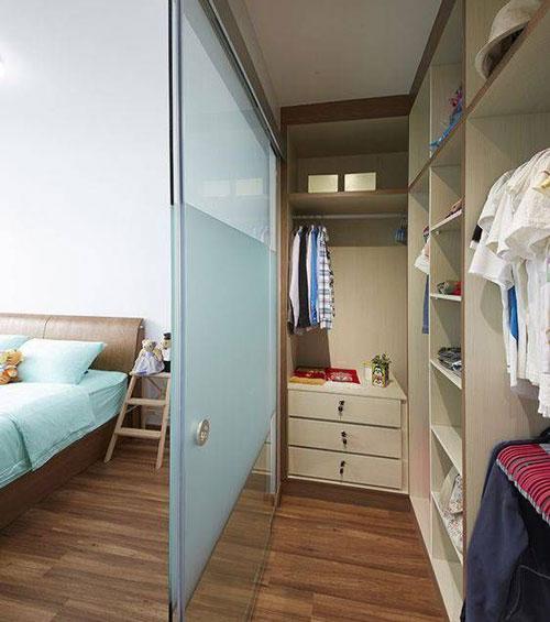 phòng ngủ kết hợp phòng thay đồ có vách ngăn 7