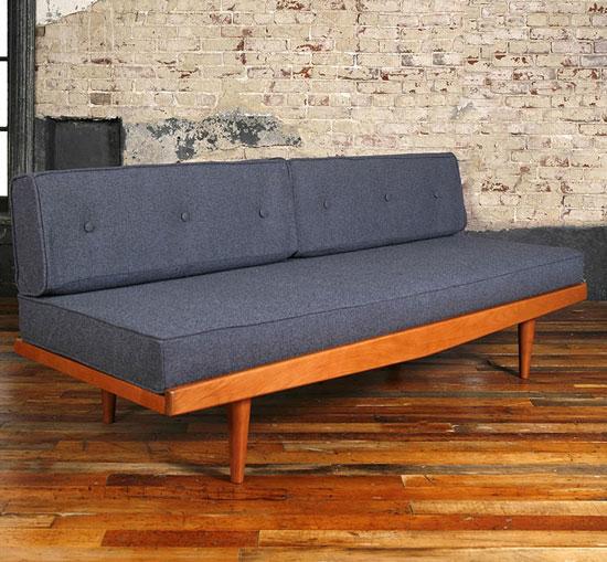 sofa mini trong phòng ngủ 10