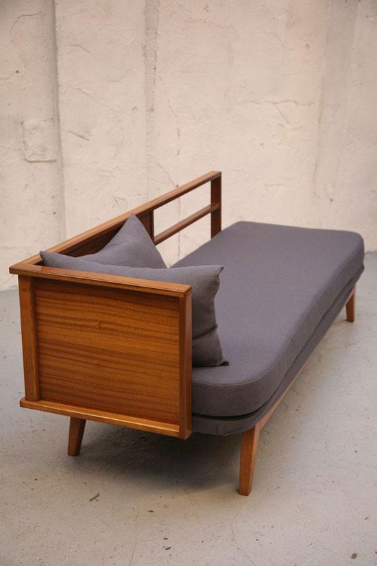 sofa mini trong phòng ngủ 29