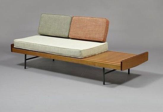 sofa mini trong phòng ngủ 9